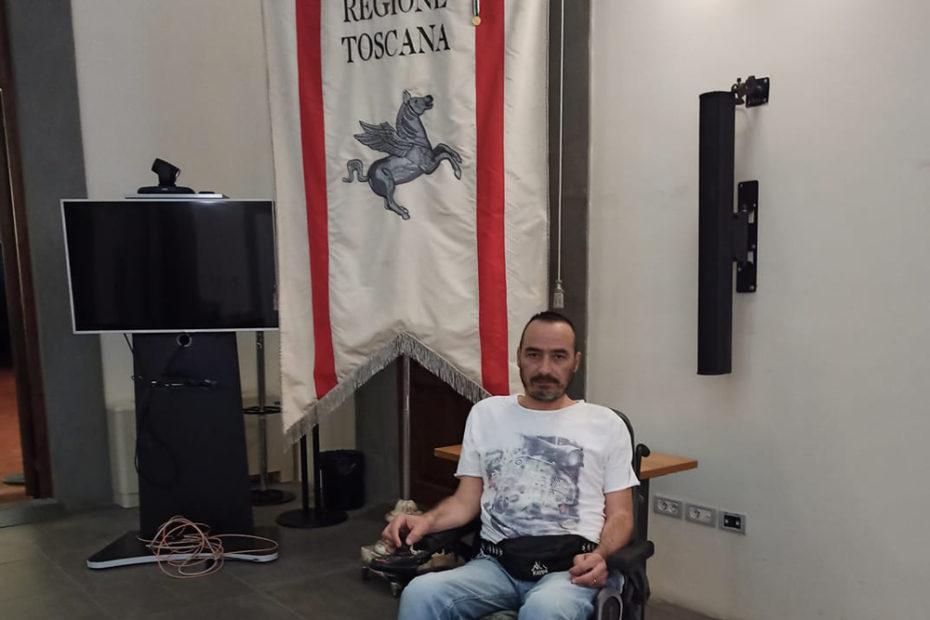Luigi Gariano occupa la sede della giunta regionale toscana