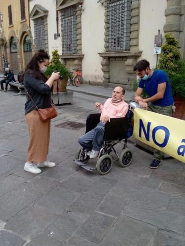 manifestazione dei disabili gravi davanti alla sede dellaGiunta Regionale Toscana-04